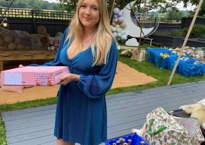 Marketing assistant delivering food to Leighanne Pinnock baby shower