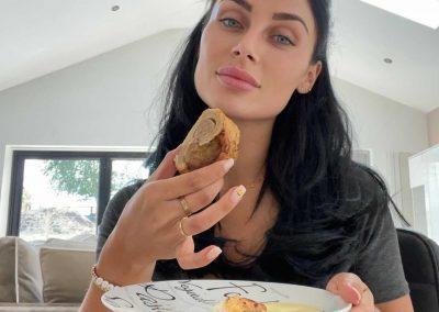 Cally Jane eating sausage roll
