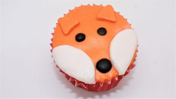 autumn little piglets fox cupcake