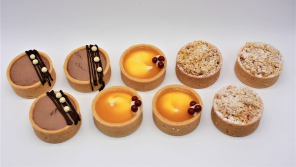 canapes white background 4